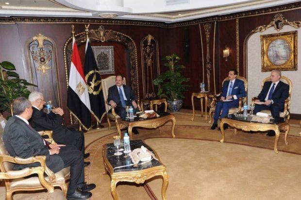http://shbabbek.com/upload/عبد المحسن سلامة يدعو وزير الداخلية لزيارة نقابة الصحفيين