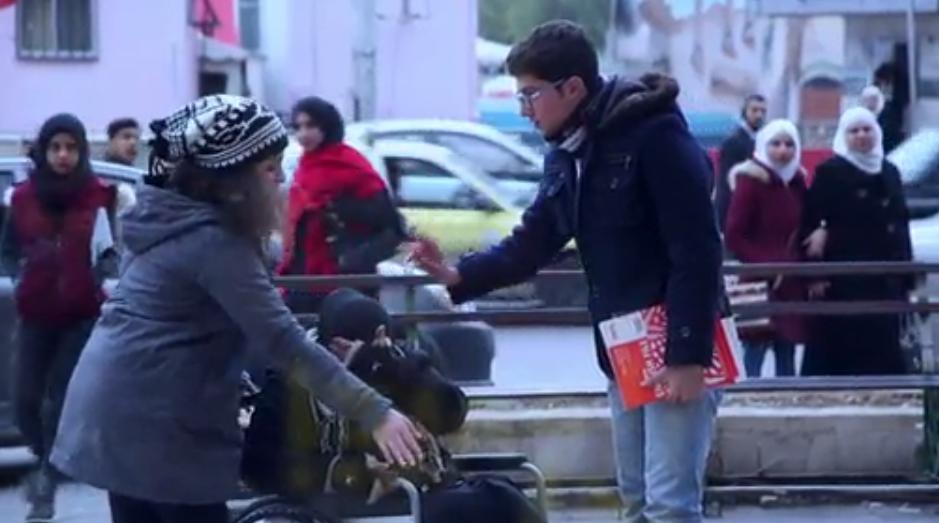 «أعز الوِلد وِلد الولد».. كيف ينظر المجتمع العربي لظاهرة «إهانة الجدّة»؟
