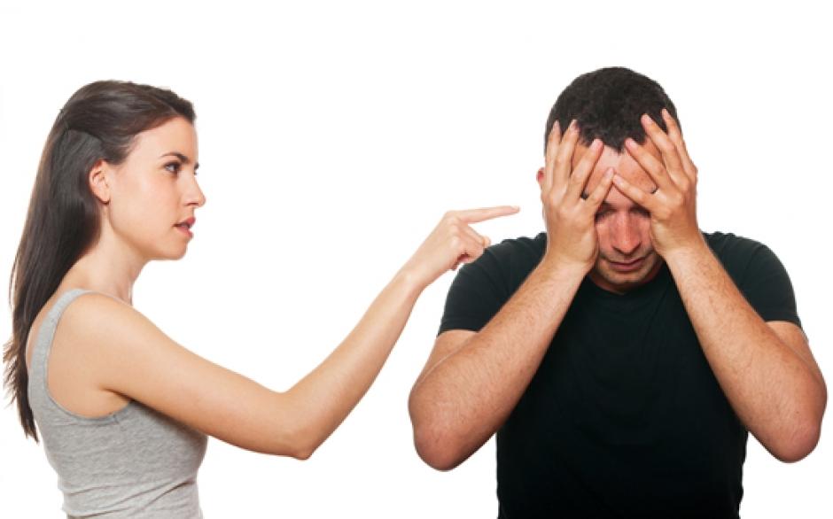 هذه الأشياء تكرهها المرأة أثناء خروجها مع زوجها