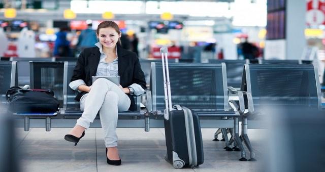 كيف تحظى برحلة سفر خالية من المصاعب؟.. 8 طرق تساعدك