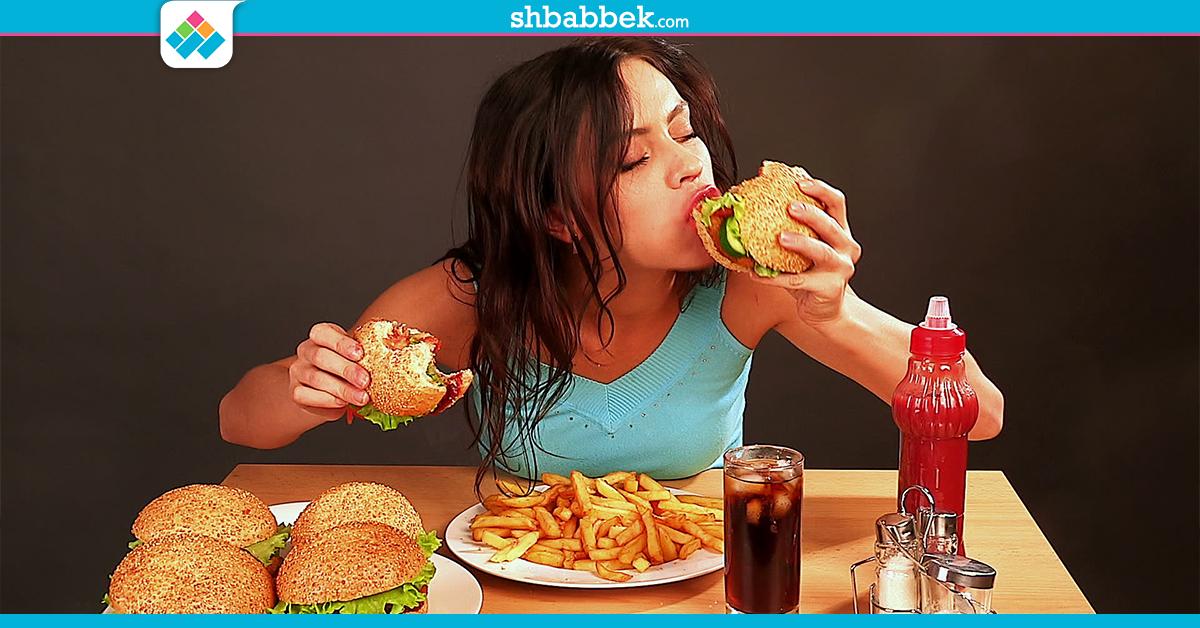 ماذا تعرف عن «الجوع العاطفي»؟ وكيف تتخلص منه؟