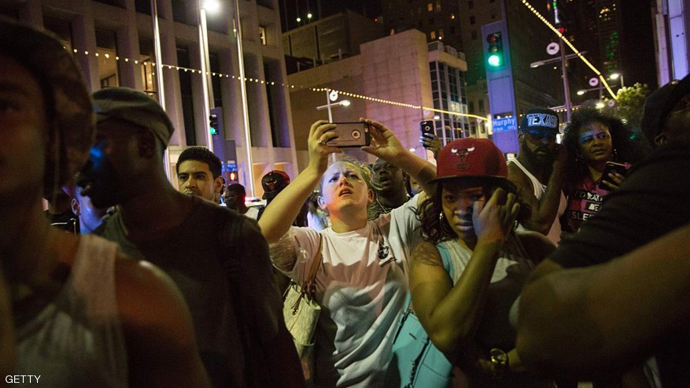 مظاهرات واسعة تندد بعنصرية الشرطة الأمريكية ضد السود