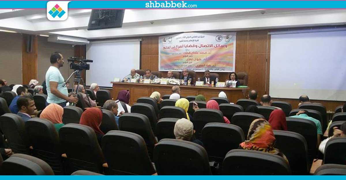 رئيس جامعة القاهرة يدعو لإنشاء قسم «الشائعات» بكلية الإعلام