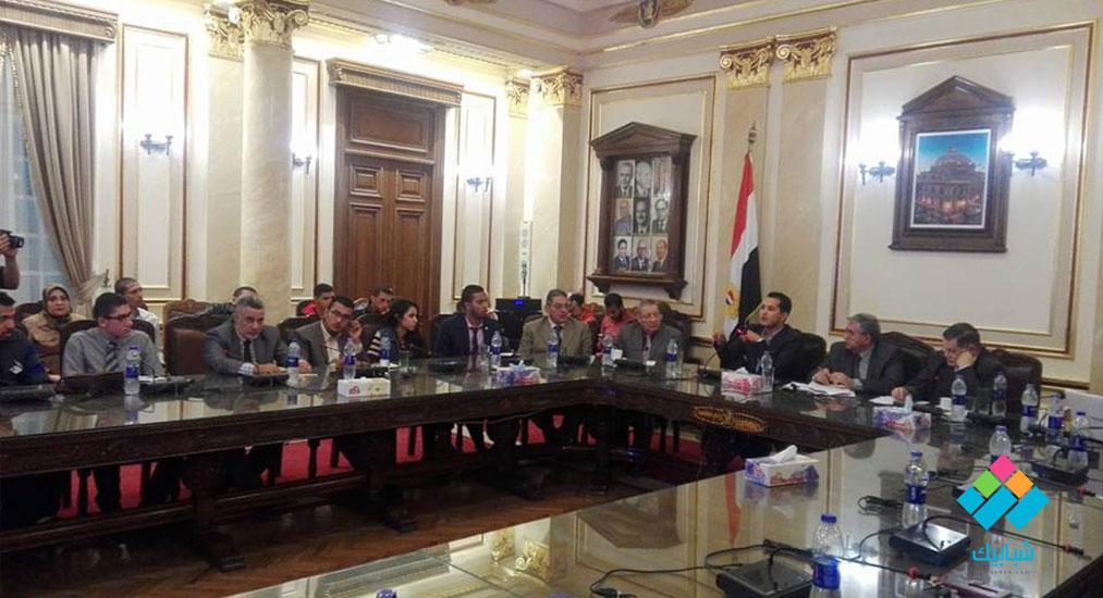 محمد الدسوقي رشدي يحذر طلاب جامعة القاهرة من سليم العوا