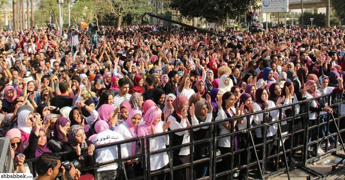 أحمد جمال يحيي حفل صندوق مكافحة الإدمان بجامعة عين شمس (صور)