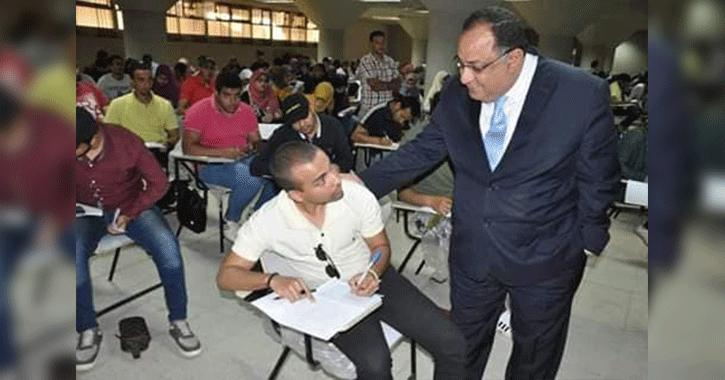 رئيس جامعة حلوان يتفقد لجان امتحانات الفصل الدراسي الثاني (صور)