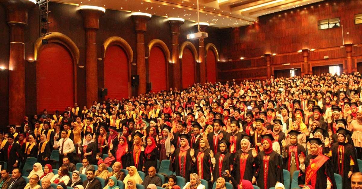 رئيس جامعة طنطا يشهد حفل تخرج الدفعة الـ40 ببرنامج الصيدلة الإكلينيكية