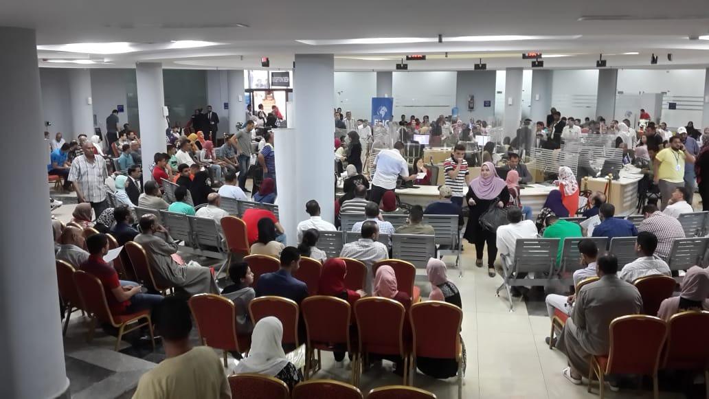 اقبال كثيف من الطلاب للتسجيل في جامعة بدر «صور»
