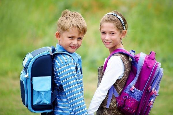 طفلك لسه داخل المدرسة؟.. نصائح ستجعل طفلك يحب الدراسة