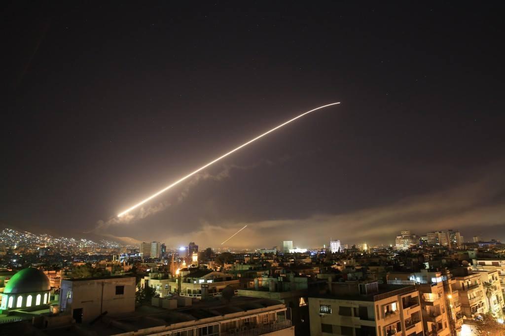 نتائج قصف سوريا اليوم.. ماذا فعلت صواريخ أمريكا وبريطانيا وفرنسا؟