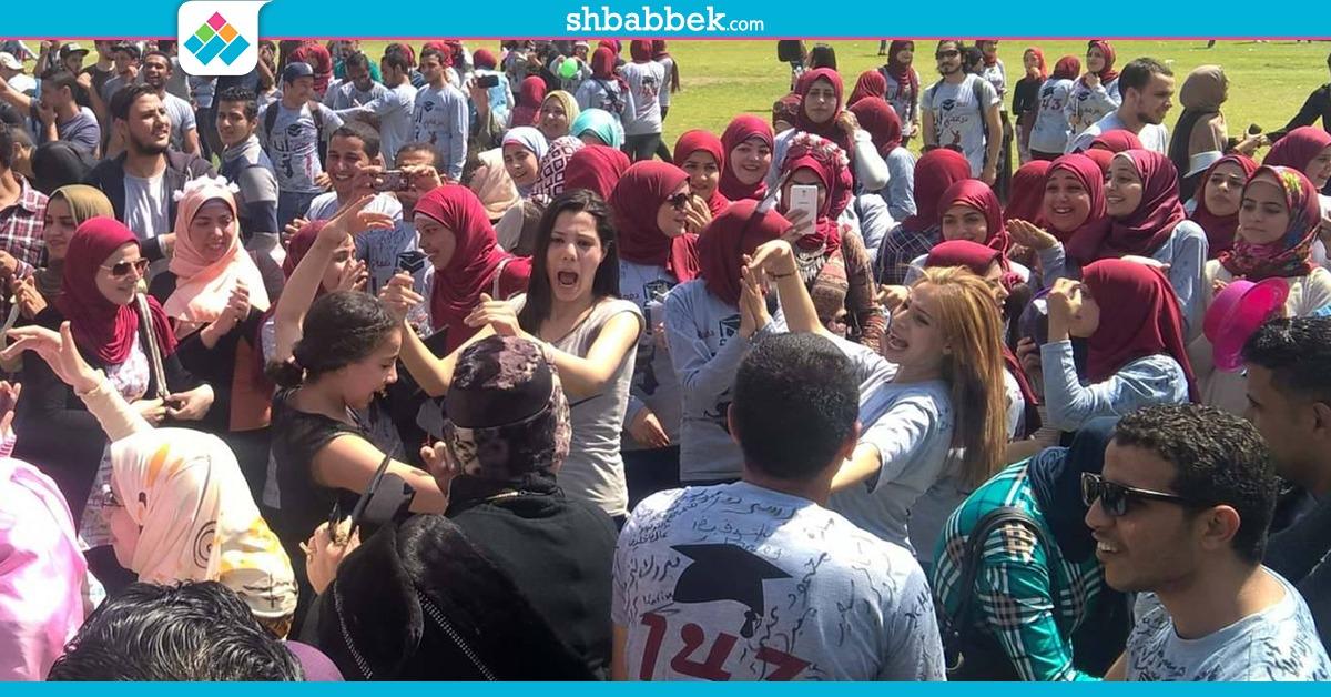 http://shbabbek.com/upload/على أنغام المهرجانات.. طلاب دار علوم القاهرة يحتفلون بالتخرج (صور)