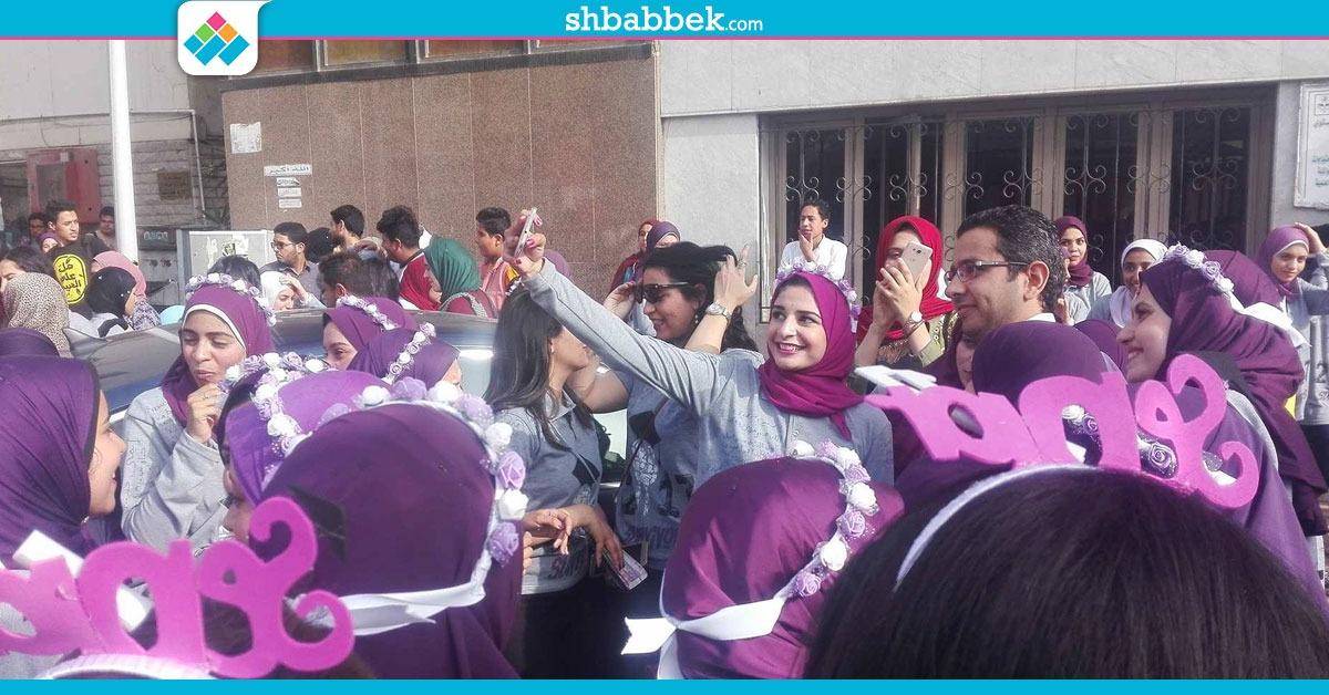 http://shbabbek.com/upload/بـ«الألعاب النارية».. أسنان القاهرة تحتفل بتخريج الدفعة 91  (صور)
