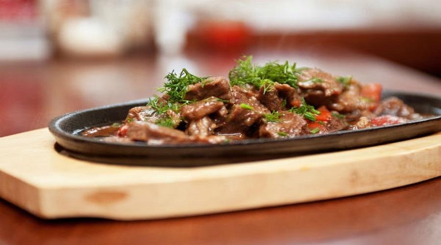 أكلات العيد.. سيبك من الفتة وجرب وصفات لذيذة وسهلة من 5 دول عربية