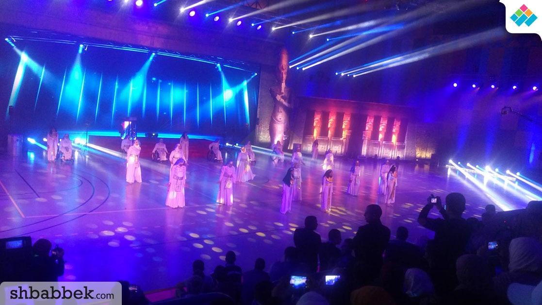 استعراضات بالزي الفرعوني في افتتاح أسبوع متحدي الإعاقة (فيديو)