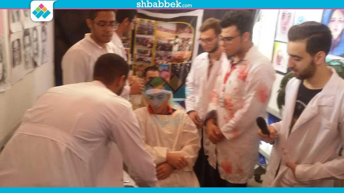 طلاب «طب أسنان المصنصورة» يقدمون عرضا ساخرا في مهرجان الأسر