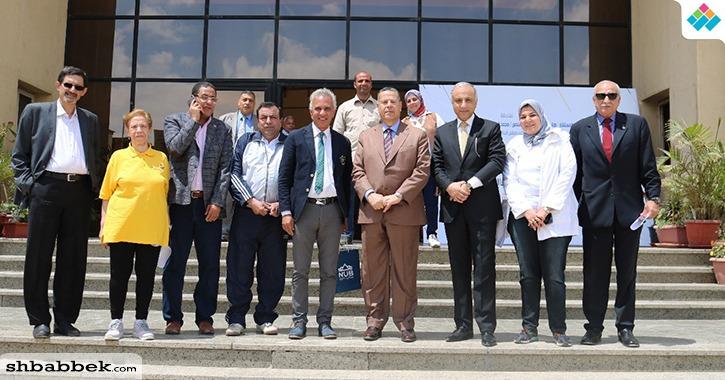 رئيس جامعة النهضة يقود حملة لحث الطلاب على المشاركة في استفتاء تعديل الدستور (صور)