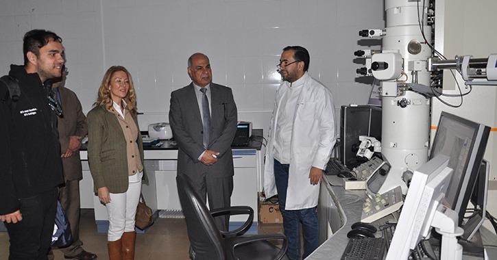 المستشار الثقافي الإسباني تلتقي بطلاب جامعة كفر الشيخ