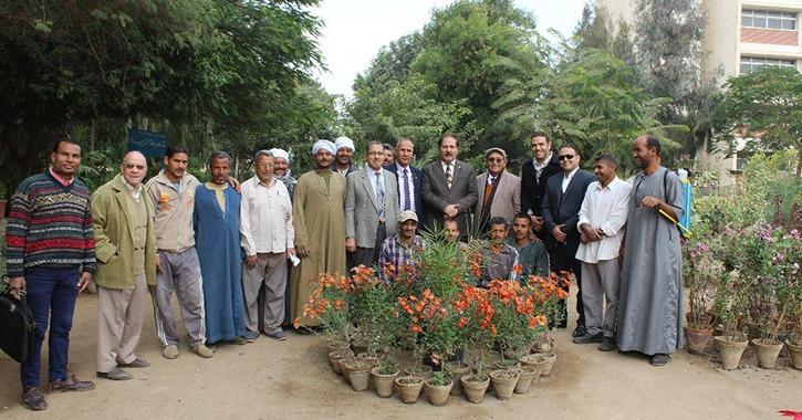 http://shbabbek.com/upload/جامعة المنيا تنظم معرض الزهور الخريفي لنبات «الأراولا»