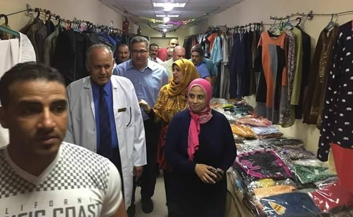«طوارئ المنصورة» يقيم معرض ملابس مجاني يضم 7 آلاف قطعة