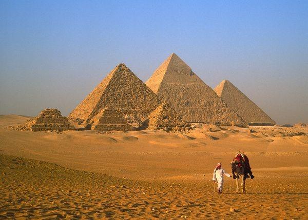 عجائب الدنيا السبع.. مصر تشارك بمعجزتين