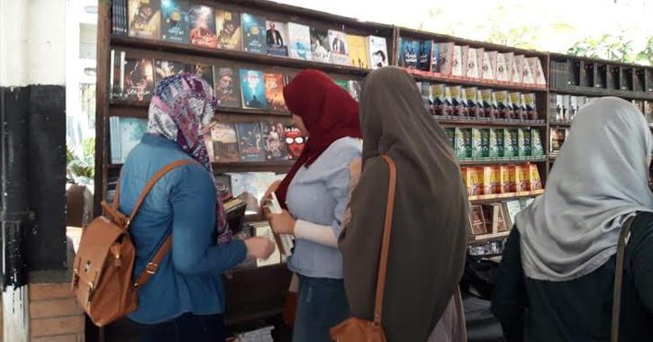 كلية الصيدلة جامعة طنطا تقيم معرضا للكتاب