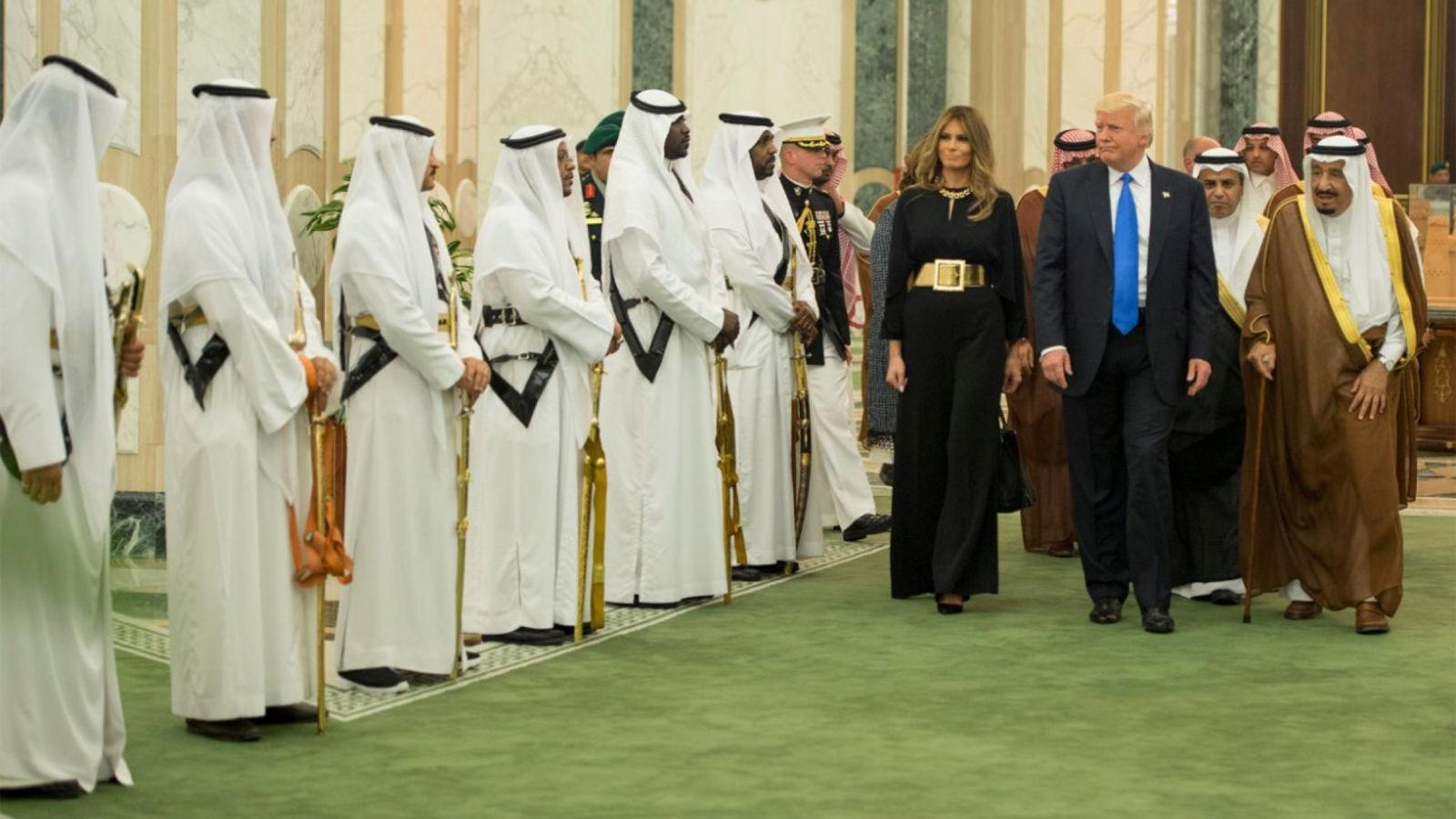 http://shbabbek.com/upload/ترامب حصد كل هذه المكاسب من «البقرة الحلوب».. هكذا استفاد الأمريكان من السعودية