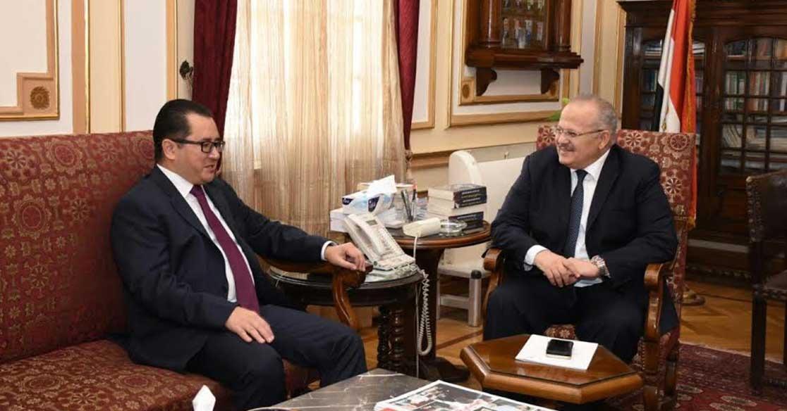 رئيس جامعة القاهرة يبحث مع سفير كازاخستان افتتاح قسم لدراسة اللغة الكازاخستانية