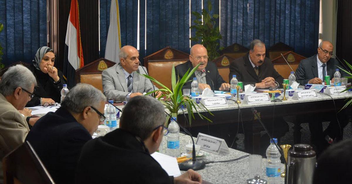 جامعة الزقازيق تهنئ الشعب المصري بذكري ثورة 25 يناير وعيد الشرطة