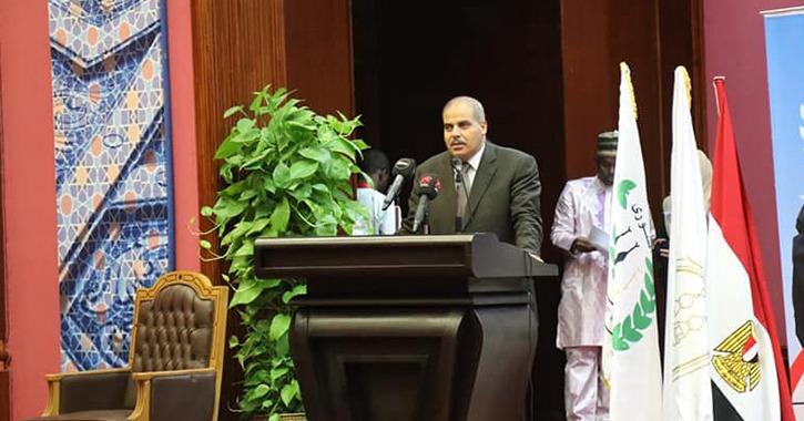 رئيس جامعة الأزهر يشارك في حفل تخريج الطلاب الوافدين: «اليوم بداية صناعة عالِم»
