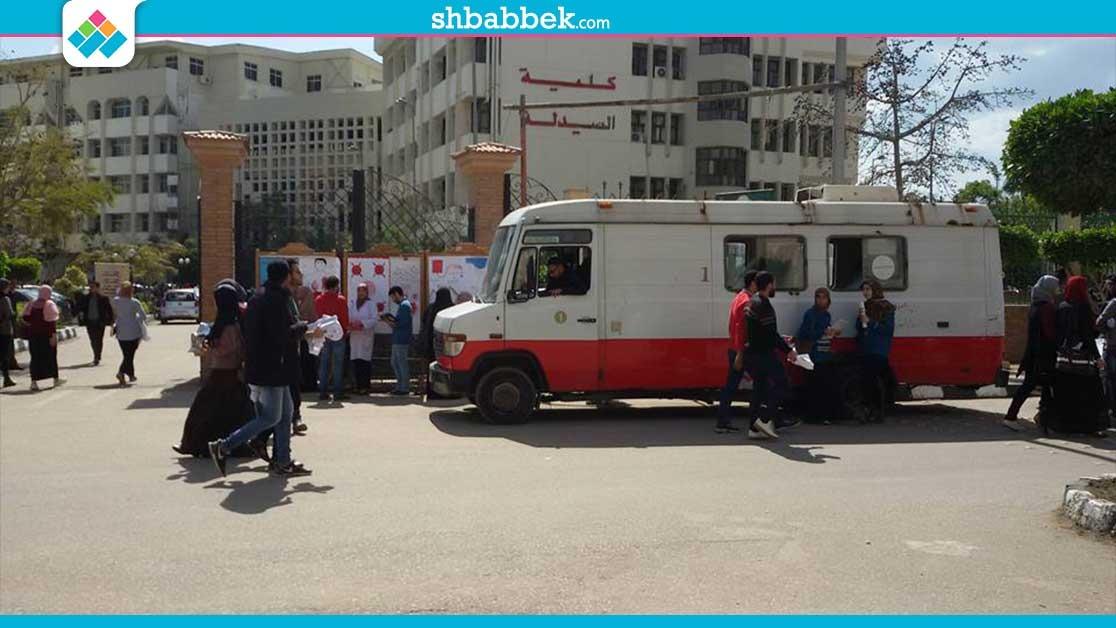 الجمعية العلمية بـ«صيدلة المنصورة» تنظم حملة للتبرع بالدم