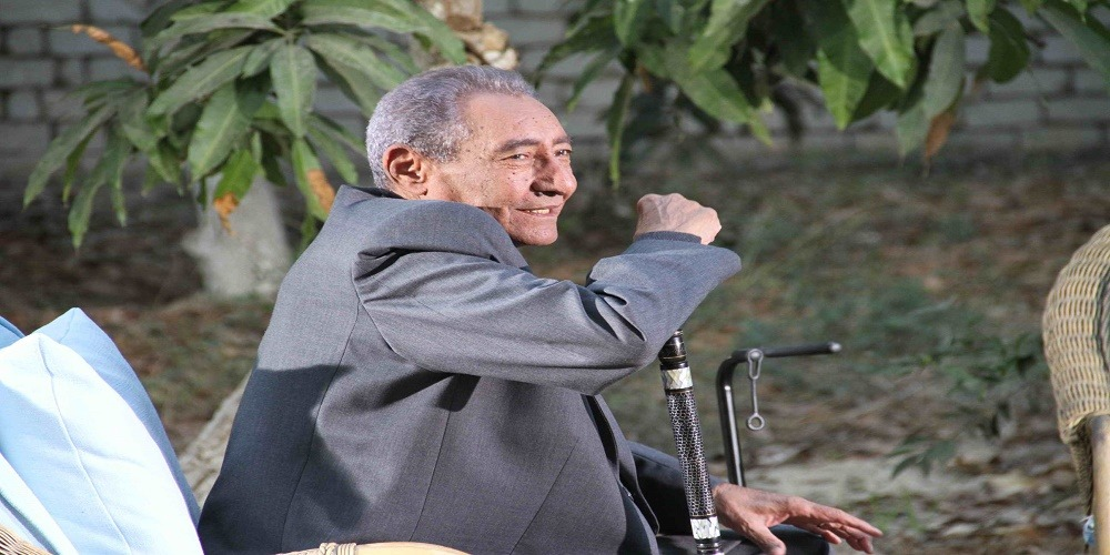 عبد الرحمن الأبنودي.. «أول شاعر عامية مليونير في مصر!» ولكن هناك أشياء أخرى
