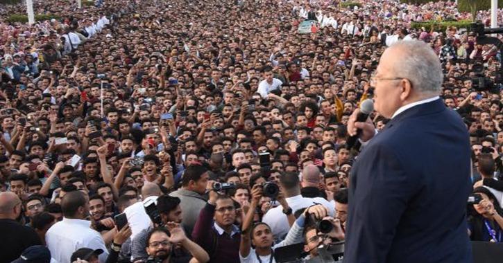 طعن مستعجل أمام «الإدارية العليا» لإبطال قرارات رئيس جامعة القاهرة في حفل «حماقي»