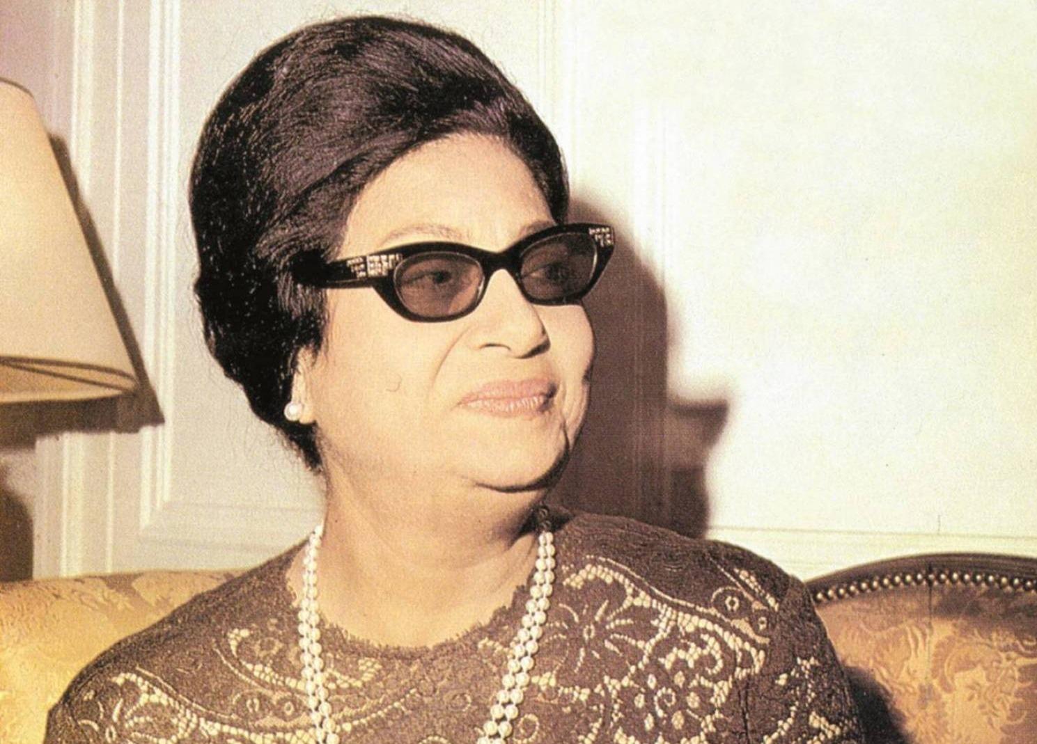 زوجة سيد مكاوي: أم كلثوم تستحق أن تكون ملكة مصر (فيديو)
