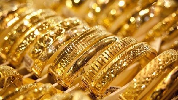 أسعار الذهب اليوم الجمعة وعيار 21 ينخفض