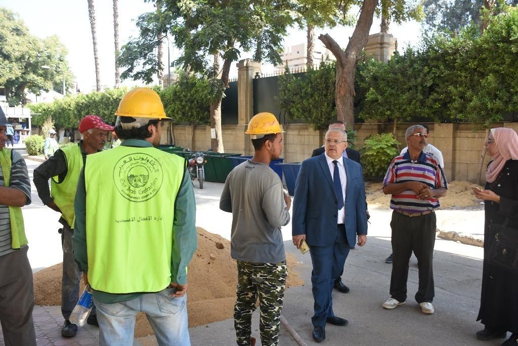 رئيس جامعة القاهرة يتفقد أعمال الصيانة وتجهيزات العام الدراسي الجديد (صور)