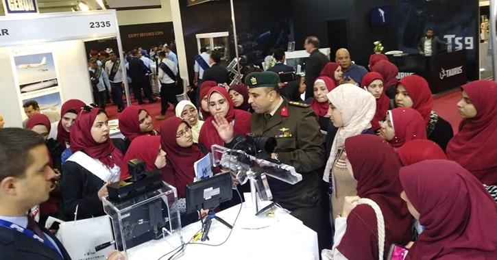 100 طالب من جامعة عين شمس يشاركون في معرض «إيديكس 2018»