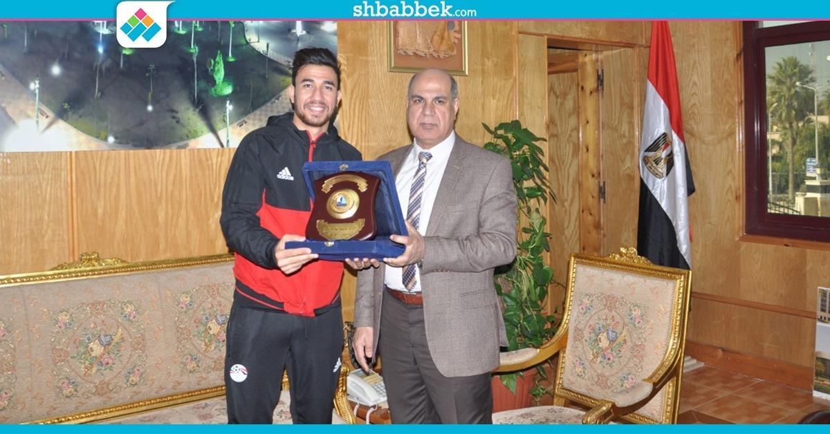 رئيس جامعة كفر الشيخ عن تأهل المنتخب لكأس العالم: «ربنا محبش يكسر بخاطرنا»