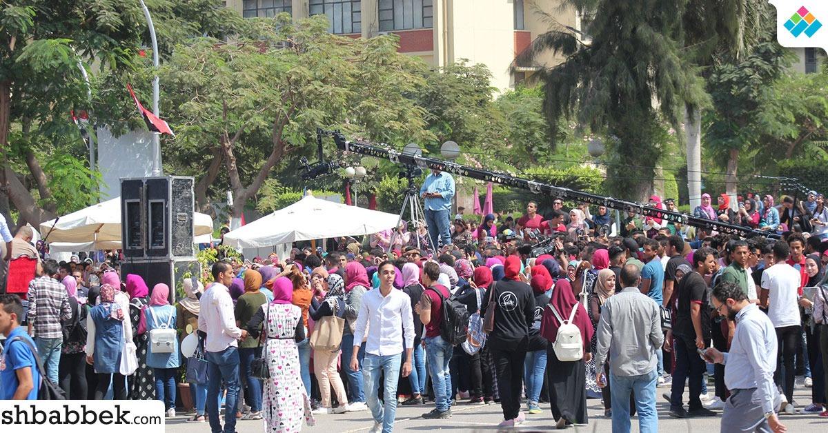 تقرير حقوقي: الجامعات المصرية متهمة بتقييد حرية الطلاب بسبب «البناطيل المقطعة والفيزون»