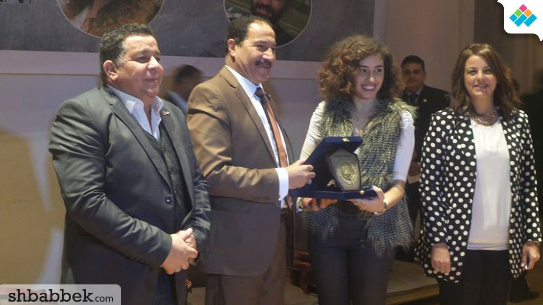 جامعة عين شمس تكرم أبطال مسلسل «عائلة ونيس»