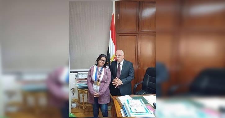 كلية حقوق عين شمس تكرم الطالبة الثالثة على العالم في رفع الأثقال لذوي الاحتياجات الخاصة