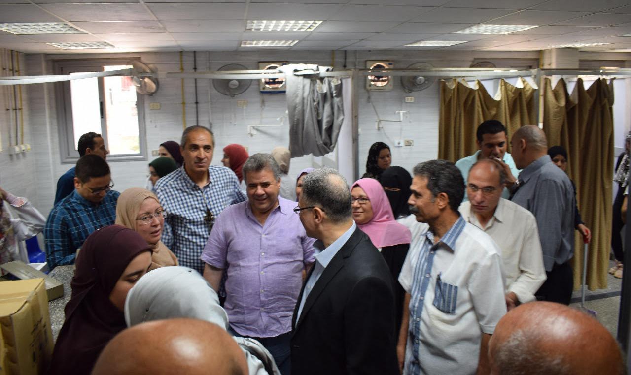 رئيس جامعة بنها يتفقد المستشفيات الجامعية في أول أيام العيد