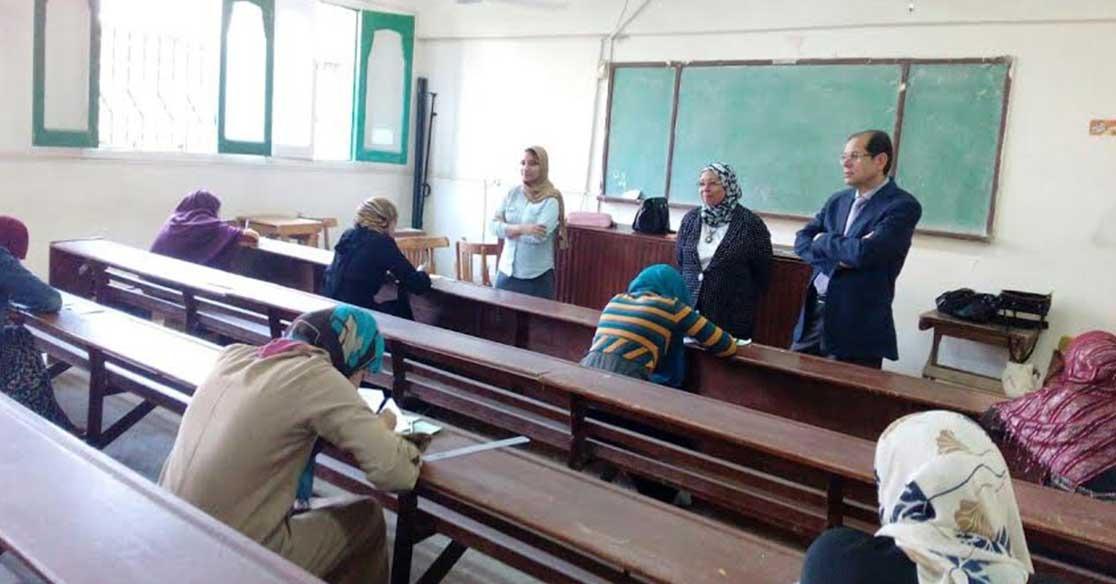 نائب رئيس جامعة الأزهر يتفقد لجان امتحانات فرع طنطا