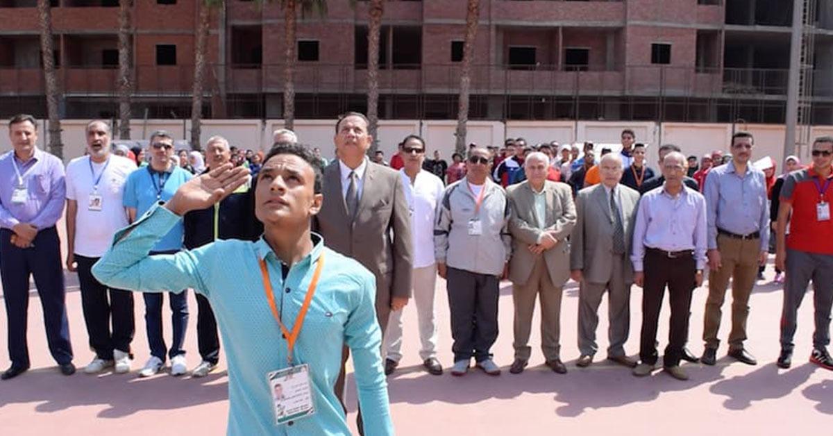 رئيس جامعة المنوفية في طابور العلَم (صور)