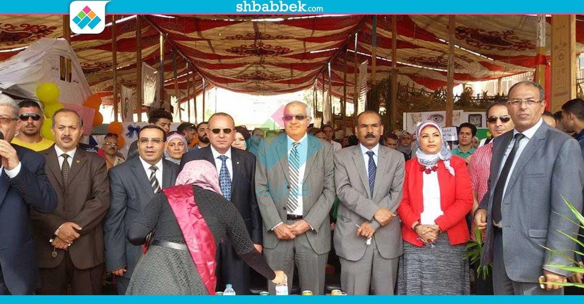 بمشاركة 17 كلية.. نائب رئيس جامعة المنصورة يفتتح مهرجان الأسر الطلابية (صور)