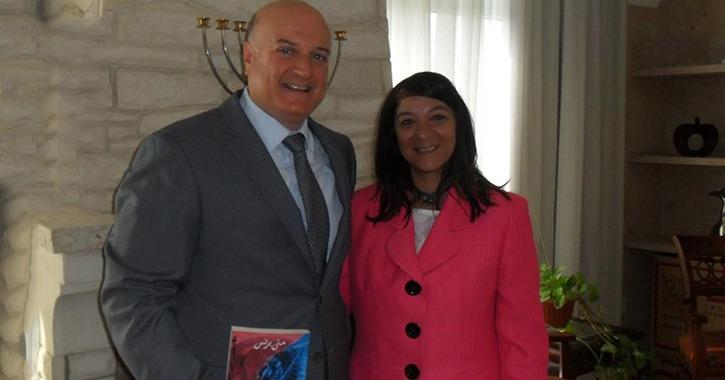 هل يتحقق حلم منى برنس بالإقامة في إسرائيل بعد لقاء السفير؟