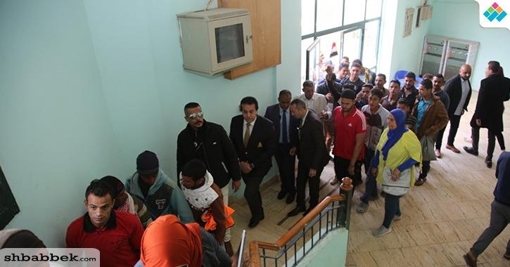 وزير التعليم العالي يدلي بصوته في الاستفتاء على التعديلات الدستورية (صور)