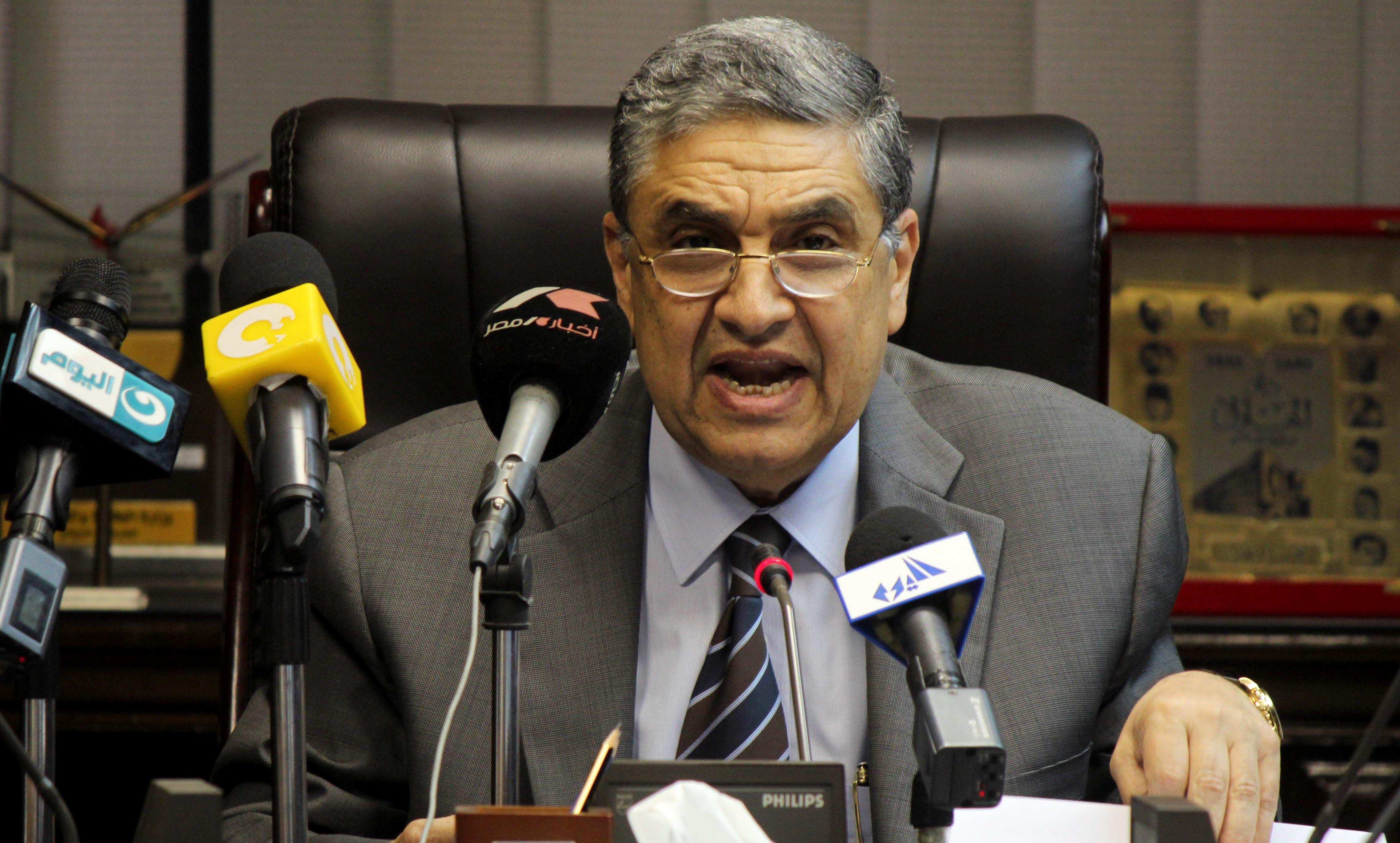 وزير الكهرباء يكشف السبب وراء ارتفاع أسعار التيار