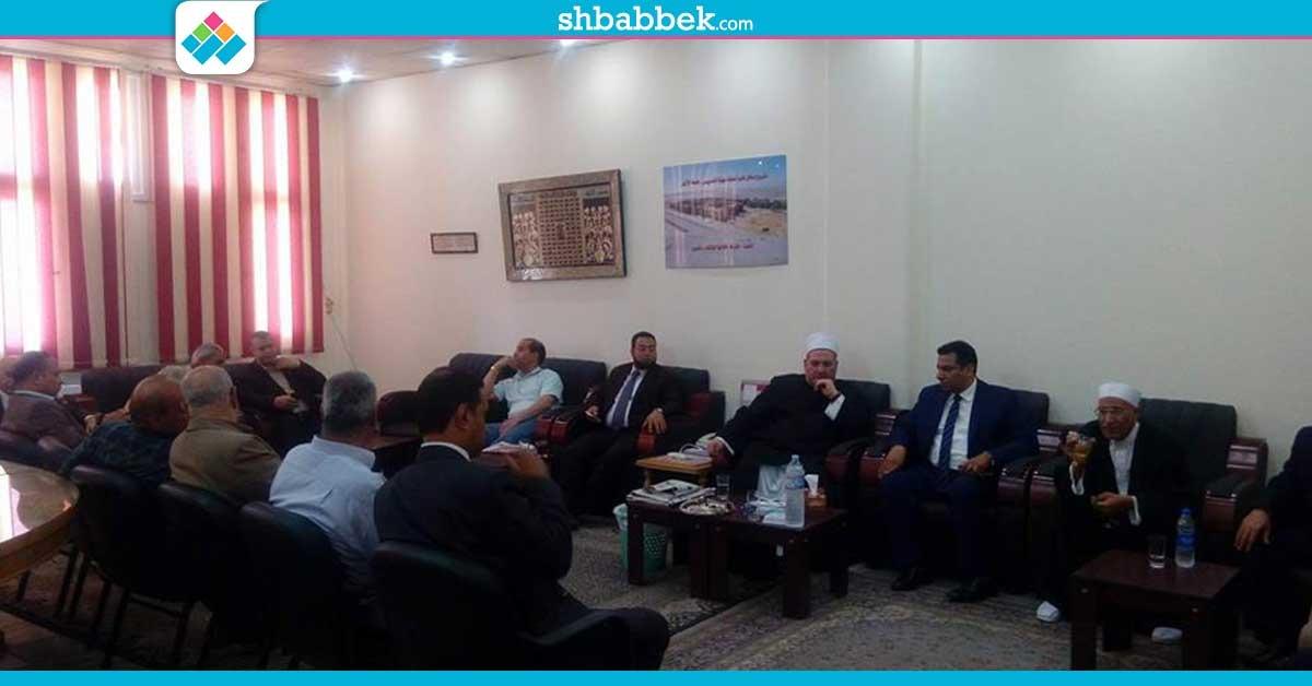 صور| رفضا لقرار «الطيب».. توافد أعضاء بهيئة التدريس على نادي جامعة الأزهر