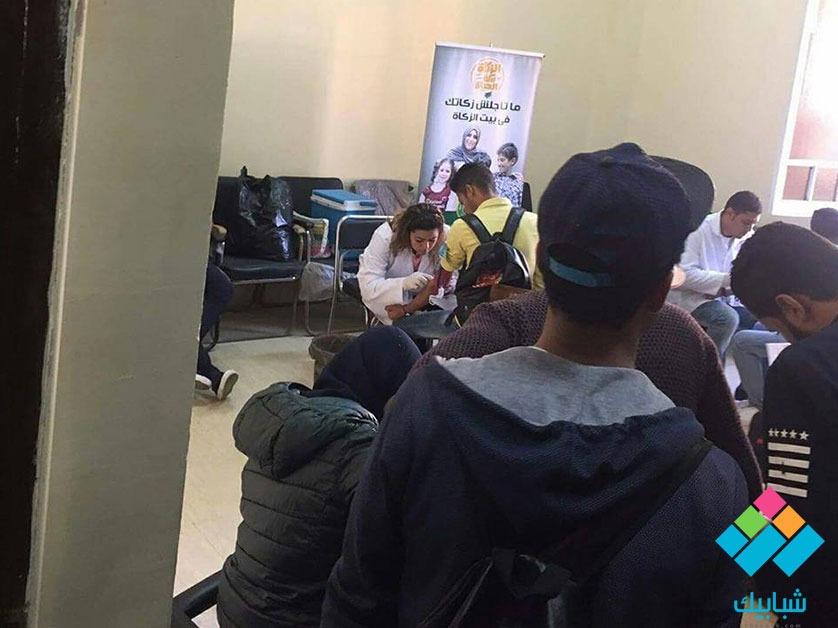 صور| جامعة الأزهر تجري تحاليل فيروس سي على الطلاب