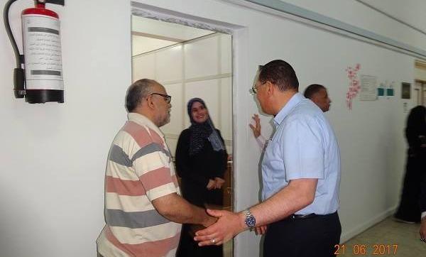 قيادات جامعة «القناة» يهنئون العاملين في مكاتبهم بعيد الفطر